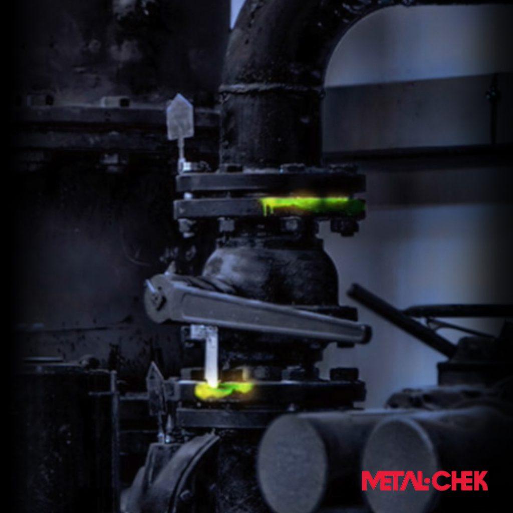 Detecção de vazamentos por líquidos fluorescentes Metal-Chek
