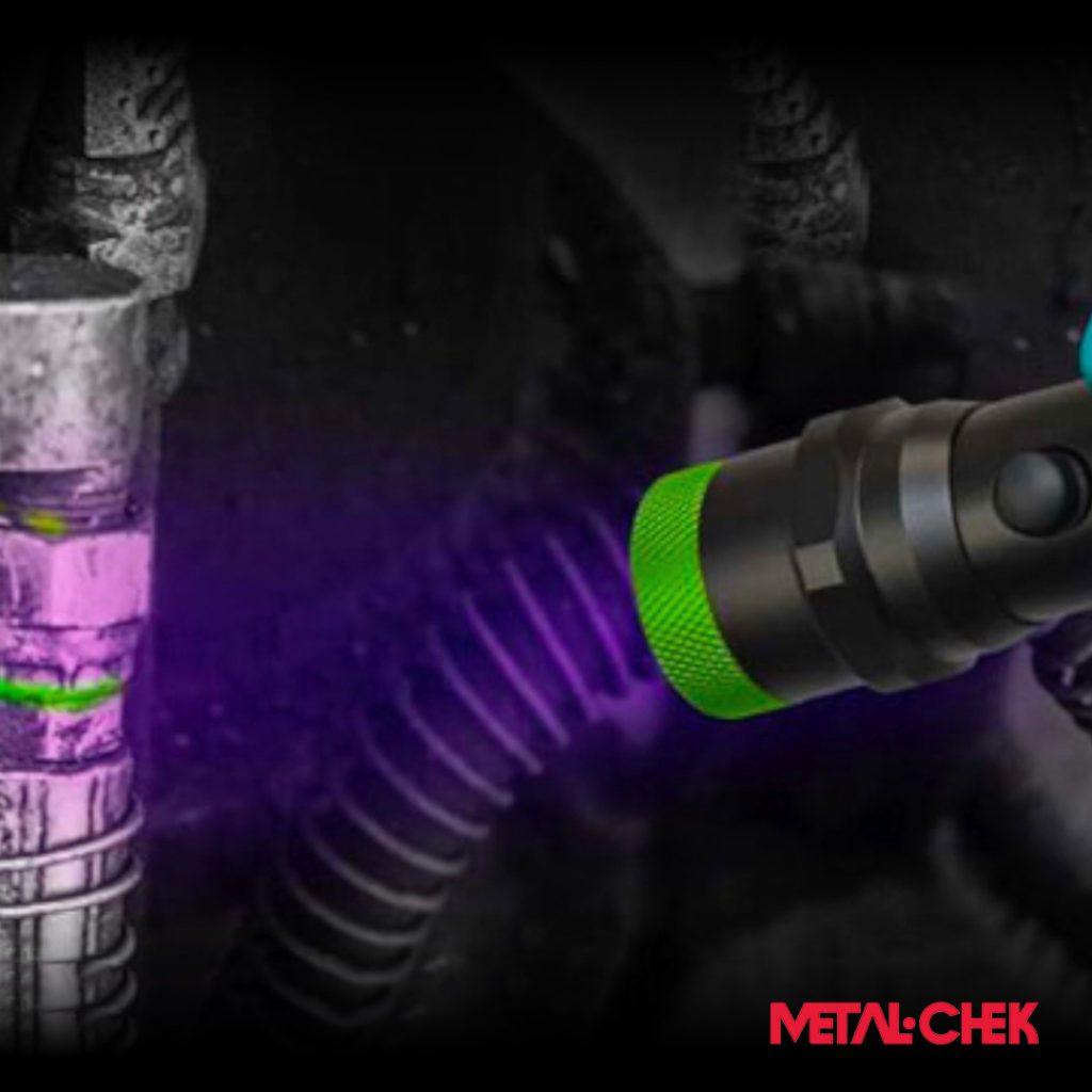 Como detectar vazamentos utilizando líquidos fluorescentes.
